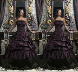 Special Dark Ball Gown Wedding Dresses Black And Purple Strapless Floor Length Ruffles Bridal Gowns Plus Size Appliques Wedding Dress