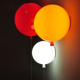 Wholesale Novelty Colorful Balloon Wall lamps Modern Children bedroom Bedside wall Lights with pull switch Acrylic shade Restaurant lamp