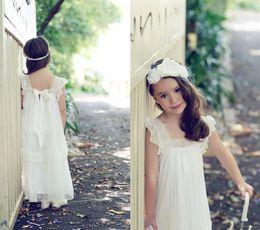 2016 Flowergirl Dresses A Line Princess Vintage Flower Girl Dresses for Wedding Square Sleeveless Floor Length Wedding Party Dressfor Girls
