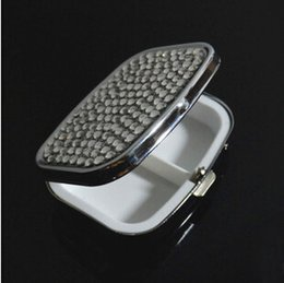 Wholesale medicine accessories square pill case rhinestone studded partitions outdoor portable medicine stainless steel case small box