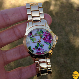 high style on a pretty bracelet watch and finished with a vintage floral print center links. Feel beautiful e