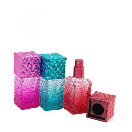 Wholesale 20ml square glass perfume bottle with spray pump , empty glass bulk perfume spray bottle 20ML ,glass spray glitter