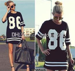 Lettre 86 Imprimer shirt Femmes Celebrity Big taille américaine de baseball Tee T-shirt noir à manches courtes Top Robe active en vrac à partir de robe 86 de base-ball fabricateur