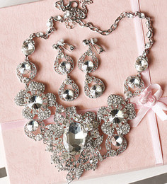 Wholesale 2015 HB0009 New Arrival Earring Neck Romantic HOt Tow Pieces Crystals Wedding bridal Jewelry Set Dress Accessories