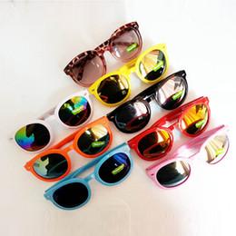 Wholesale-Kids Plastic Frame Sunglasses Toddlers Rivet Round Shades Mirrored Lens Eyewear