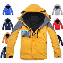 Wholesale High Quality Climbing Clothes Fashion Outdoor Double Layer in1 Men Sports Coat Winter Waterproof Windbreaker Men Skiing Jacket