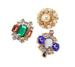 Wholesale Brand New Luxury Gemstone Crystal Pearl Brooch Collar Pin Set Clothes Hat Accessory