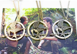 Wholesale 2015 The Hunger Games Necklaces Inspired Mockingjay And Arrow Pendant Necklace Authentic Prop imitation Jewelry Katniss Movie In Stock