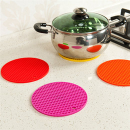 Wholesale New Arrivals Placemats Table Mats Heat Resistant Round Pads Coaster Pot Holder Silicone Candy Color Diameter cm JH59