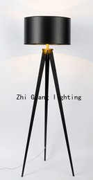 The Nordic minimalist creative fabric lamp tripod hotel project of dining room bedroom study triangle floor lamp