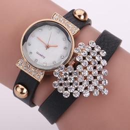 Cuero reloj pulsera corazón en Línea-Nuevo cuero de la llegada reloj pulsera corazón de la manera mujeres del diamante del reloj del cuarzo Reloj Reloj Mujer Relogio Femenino
