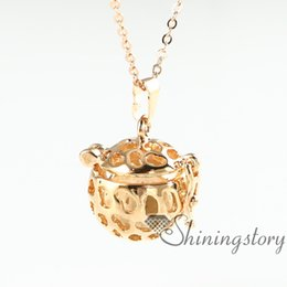 openwork diffuser pendants wholesale oil diffuser necklace aromatherapy locket essential oil diffuser necklace wholesale perfume pendant