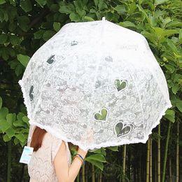 Wholesale Cheap Romantic Bride Parasol Heart Shape New In Stock Beautiful White White Umbrellas for Bridesmaids Chinese Wedding Parasols Women