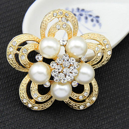 Gold Plated Clear Sparkly Crystals Rhinestone Women Costume Jewelry Brooch Luxurious Flower Brooch Pins For Wedding Party Cheap Good Quality
