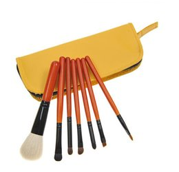 Wholesale a makeup brush quality wool America and Europe pop beauty makeup tools
