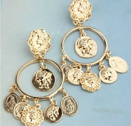 Wholesale Baroque Beauty Royal king coin dangle stud Statement ItalianGold Earrings for Women New Style Europe and America
