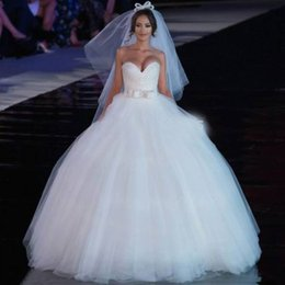 2019 Ball Gown Luxury Princess Wedding Dresses Sweetheart Beads Bow Tulle Floor Length Bridal Gowns Lace up Back Popular Custom Made