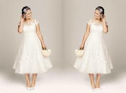 Tea Length Plus size White Beach Wedding Dresses 2015 Lace Applique Sheer Scoop Neck Short Sleeves Tulle Vintage Summer Bridal Gowns A Line