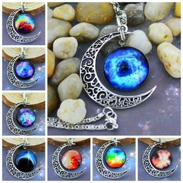 Wholesale Brand Jewelry Choker Necklace Glass Galaxy Cosmic Cabochon Alloy Hollow Pendant Crescent Silver Chain Moon Necklace Pendant Best Gift