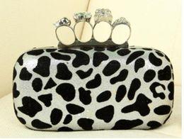Bolso de embrague del cráneo del hombro de la impresión del leopardo de Wholesale-Ring con la carpeta de cadena del wristlet del monedero desde de embrague del anillo de leopardo fabricantes