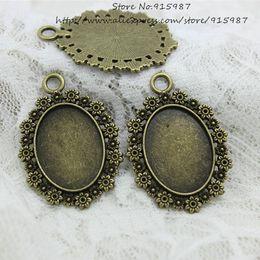 Wholesale 20pcs bronce antiguo de la aleación del metal de la flor del camafeo de mm quepa mm de diámetro Oval cabochon ajustes pendientes de los encantos blanco D0777