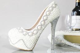 2017 perles de diamant hauts talons 2017 Chaussures de mariée à la mode à la mode et à la mode à la mode Chaussures de mariage avec des chaussures de mariée en diamant Chaussures de bal de fête Chaussures à chaussures hautes talons de 10 à 11 cm perles de diamant hauts talons sur la vente