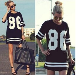 Celebrity Oversized 86 American Baseball Tee T-shirt Top Varsity Short Sleeve Loose Fit Mini Dress Black / White Women Dress Livraison gratuite à partir de 86 baseball dress fabricateur