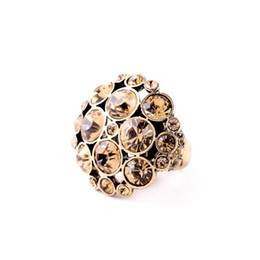 Wholesale Super Deals Hot Inlay Imitation Diamond Flowers Perfume Women Champagne Rings Factory