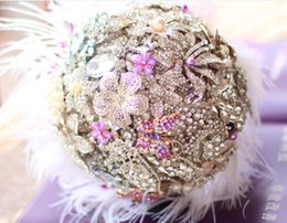 Wholesale Holding flowers lilac feathers ostrich feather brooch bouquet ideas wedding jewelry of choice for hhigh end hand tailored