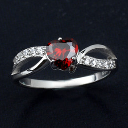 Vogue Heart Shape Red Garnet 925 Sterling Silver Ring Crytals Paved Luxury Engagement Rings for Women R623