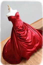 V-Neck Red Satin Beading Ball Gown 2016 Wedding dress with Chapel Train Strapless Bridal Gown