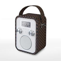 Acheter en ligne Boîte de haut-parleur de radio-Boîte en bois Subwoofers AV audio home speaker lecteur mp3 fm support radio CARD Lecture haut-parleurs sans fil HIFI BOX SPEAKER