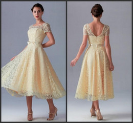 Wedding Dresses Illusion Bateau Neck Short Sleeve Bridesmaid Dresses Vintage Lace Tea Length Zipper Back Short Prom Party Gowns Bow Sash