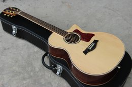 Wholesale global music instrument popular classic acoustic guitar solid spruce top gold hardware guitar