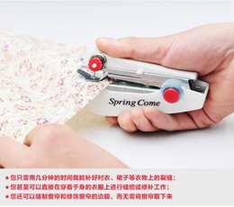 Wholesale Small manual household sewing machine mini portable pocket sized travel creative sewing simple compact handheld sealer