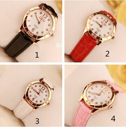 Girl students watch Korean fashion watches for women