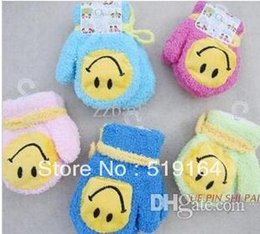 Wholesale-Free Shipping! Hot selling Baby Smile Face Gloves Full Fingers Halter-neck Thermal Gloves