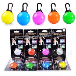 Wholesale Dog LED Flash Safety Night Light Clip Pendant Keychain Tag Anti lost Flashing Dogs Blinker Collars Equipment color Dog Tag Pet Supplies