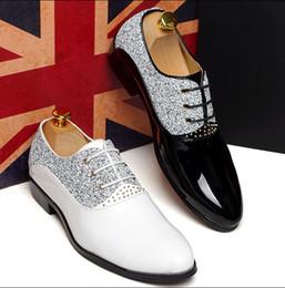 Descuento hombres zapatos nuevos estilos Zapatos de la boda para hombre de los zapatos de cuero de los hombres del estilo de los nuevos hombres únicos populares zapatos casuales 3606