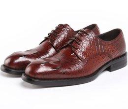 Promotion mens chaussures marron confortables Mode marron tan / noir hommes affaires chaussures confortable chaussures de bureau chaussures en cuir véritable chaussures de mariage pour hommes