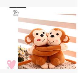 Gros-super belle accolade singe oreiller jouet en peluche 20cm couple, singe en peluche poupée animal, amoureux singe poupée jouet cheap hugging plush toys à partir de étreindre jouets en peluche fournisseurs