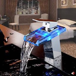 Wholesale Hot sale Three LED LIGHT square Glass Waterfall Bathroom Basin FAUCET chrome polished mixer vanity torneira banheiro cozinha hansgrohe