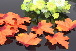Wholesale pc Fall Silk Maple Leaves Favor Autumn Maple Leaf Party Table Home Party Wedding Christmas Decoration Artifical Leaves
