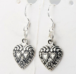 Wholesale 11 x32mm Antique Silver Double Dots Hearts With Weaved Rim Heart Charm Pendant Earrings Silver Fish Ear Hook Chandelier E907