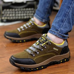 Wholesale Man Hiking Shoes Genuine Leather Vamp Man Outdoor Walking Shoes Skid Resistance Wear resisting Outsole Sports Shoes For Men Retail H460