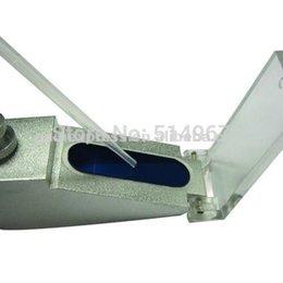 Wholesale New Handheld Brix Refractometer with Adjustable Focus Built in Calibration Knob Range ATC Fruit Juice Wine CNC