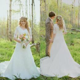 2018 Cheap Modest Wedding Dresses half Sleeves V-neck A Line Lace Vintage Wedding Gown Bridal Dresses