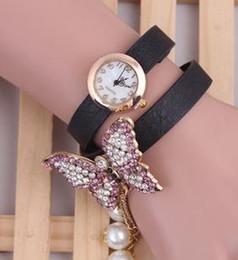 Acheter en ligne Montres de gros perle-Vente en gros chaud Mlle de mode papillon perle décoratif bracelet quartz montres W-239