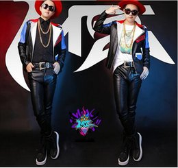 Male singer clubs in Europe and the runway looks red, white and blue stitching motorcycle jacket fur costumes. S - 6 xl