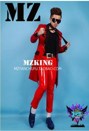 A male singer han edition fashionable nightclub, Europe and the United States runway looks red costumes running model. S - 6 xl